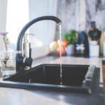 水切りかごは不要だった。キッチンの断捨離で面倒な掃除の手間を減らそう!